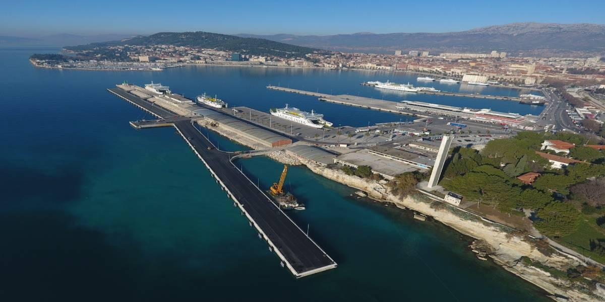 Supervision fo the works for estension and rehabilitation of the passenger wharves on the outer side of the breakwater of the city port of Split (Croatia)