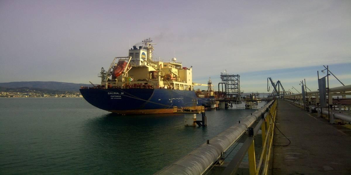 New EXXON berth and modification of the PetroLig berth for oil products in Vado Ligure (Italy)